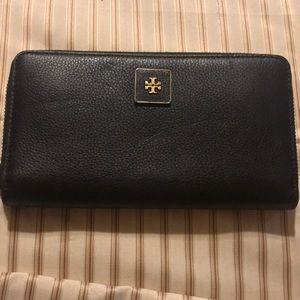 Tory Burch black zipper wallet